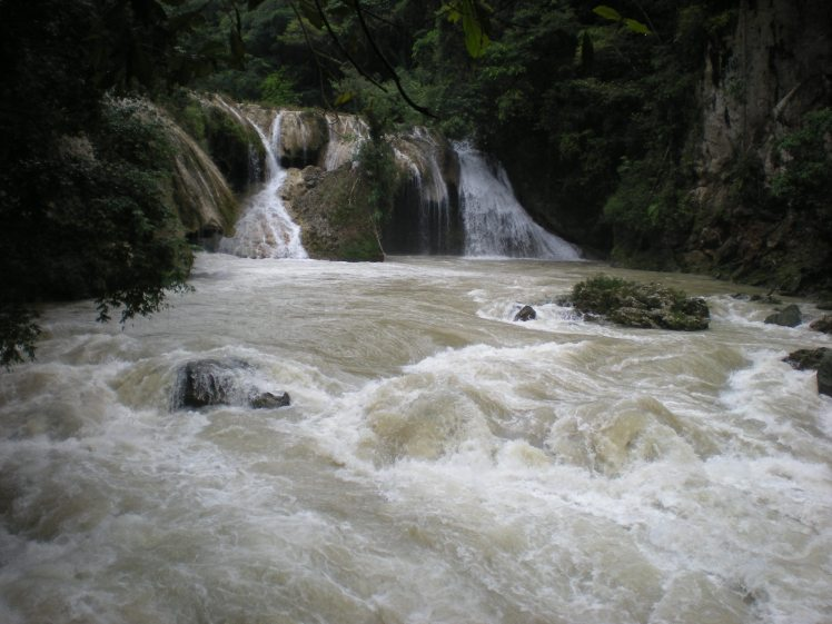 Fast-flowing water of Rio Cahabón