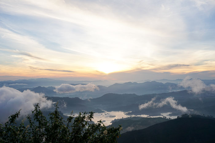 Sunrise at Adam's Peak 3