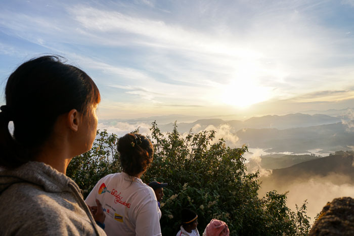 Sunrise at Adam's Peak 4